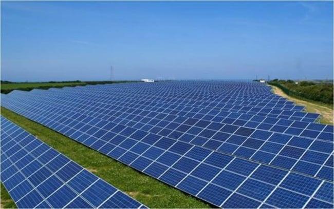 instalación fotovolcaica de placas solares