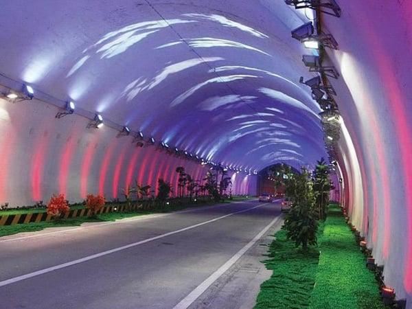 tuneldezhongnanshan3
