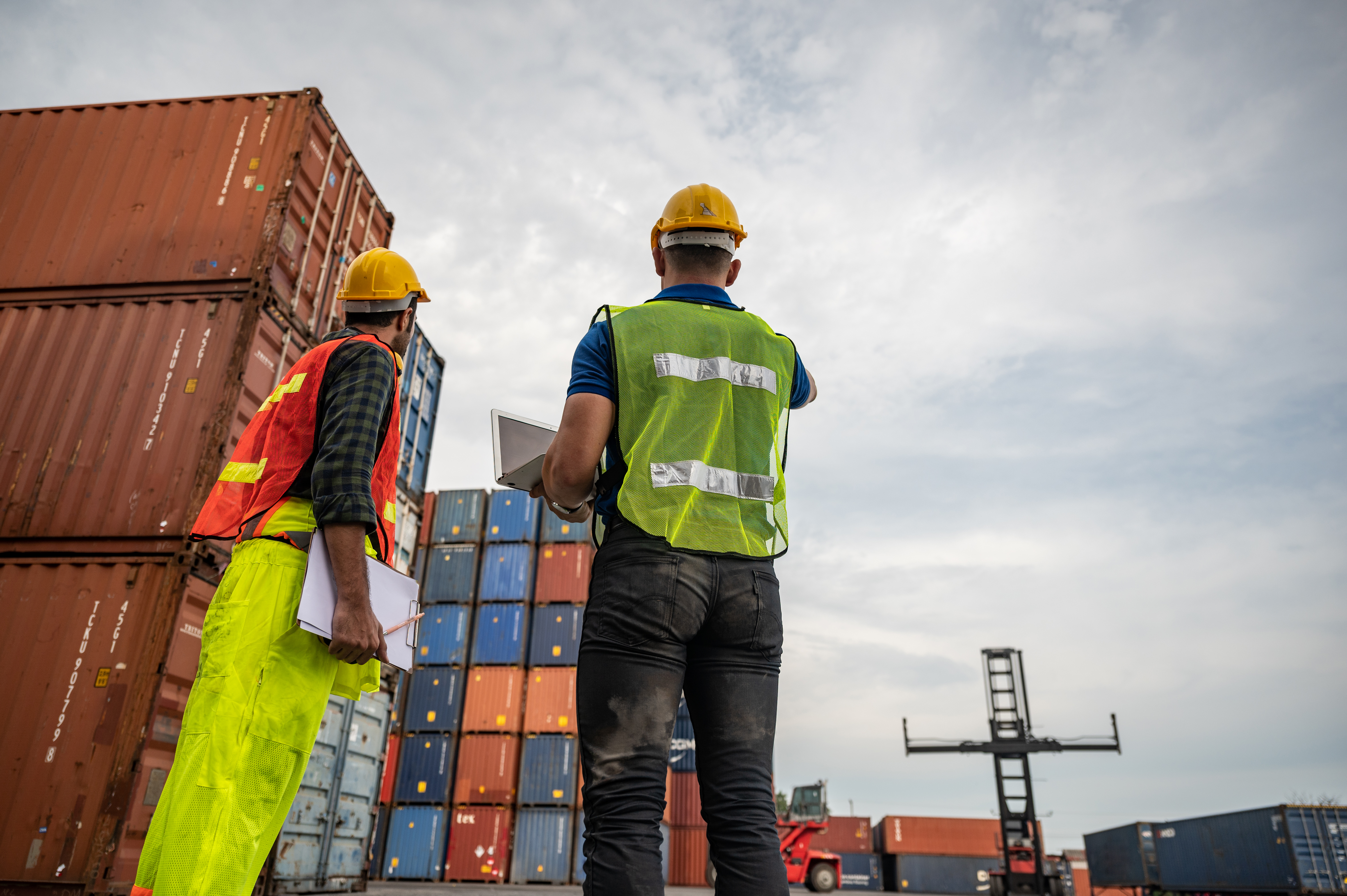 port-employee-checks-containers-in-the-container-t-ELYGVYJ