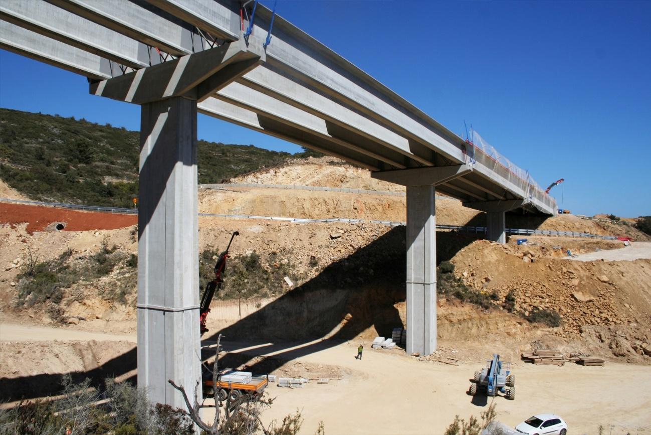 puente con prefabricados en hormigón