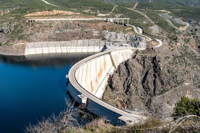 Ventajas y desventajas de energia hidraulica