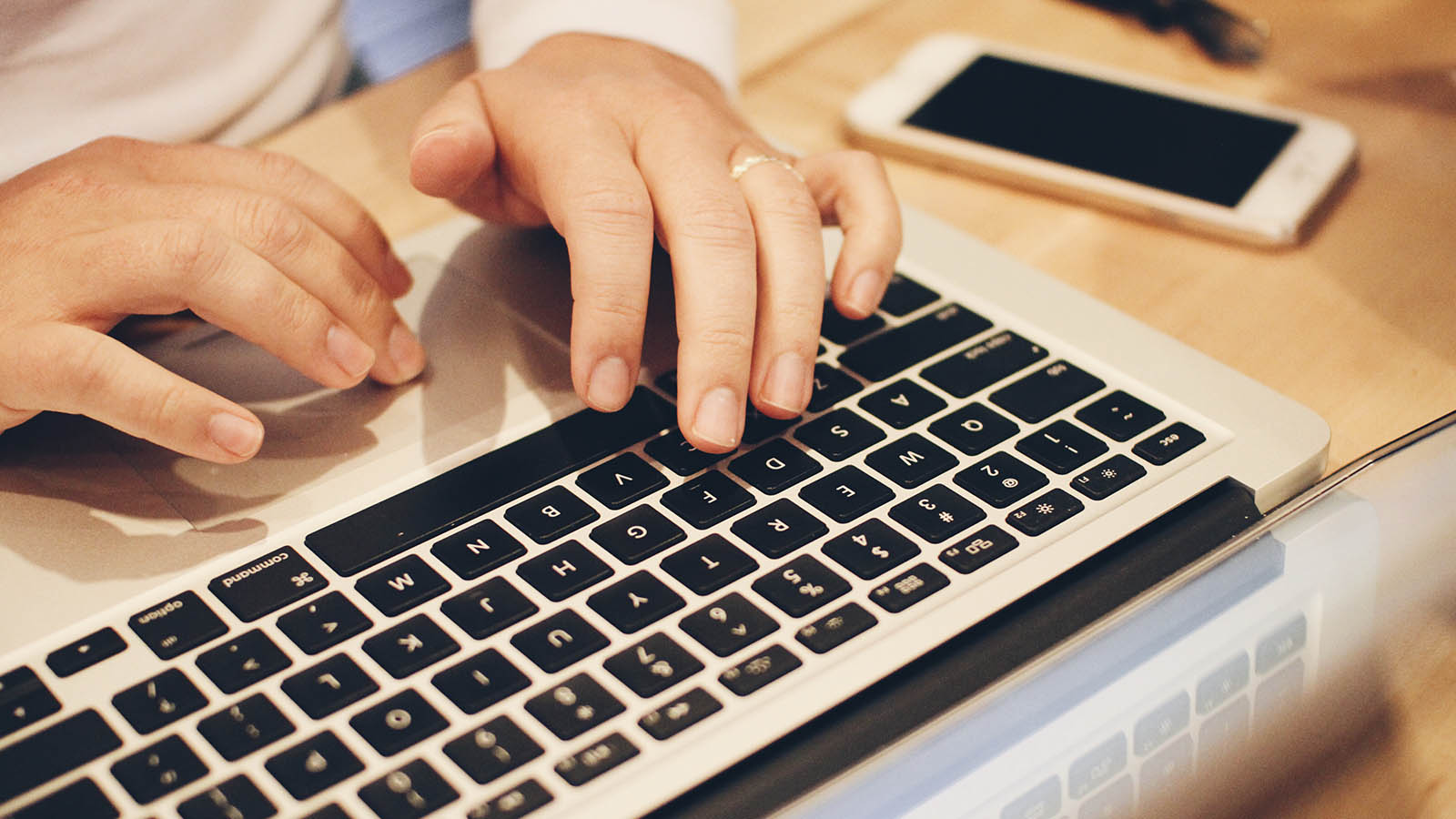 Structuralia ofrece cursos gratis online para capacitarse desde casa