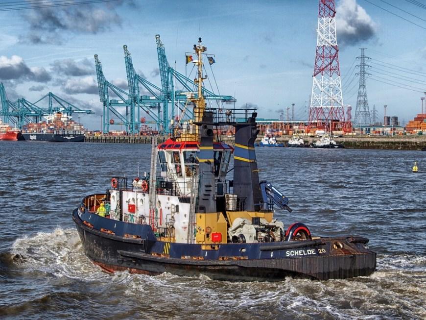 Maquinaría para la ejecución de puertos: equipos auxiliares
