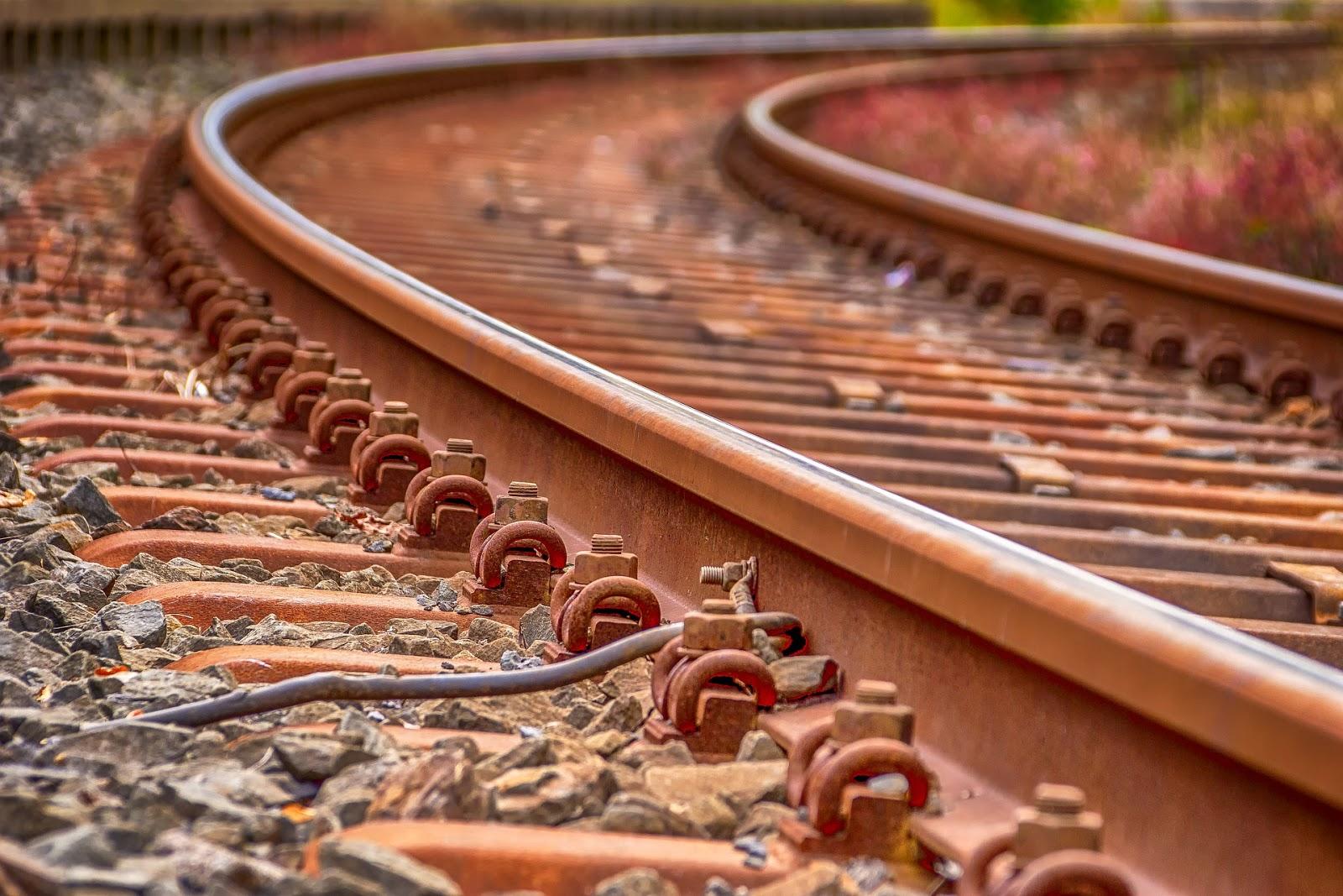 Comparativa entre líneas de Alta Velocidad y líneas convencionales